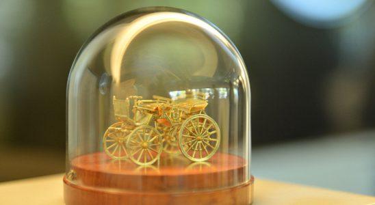 Donación de Mercedes-Benz al Museo Fangio