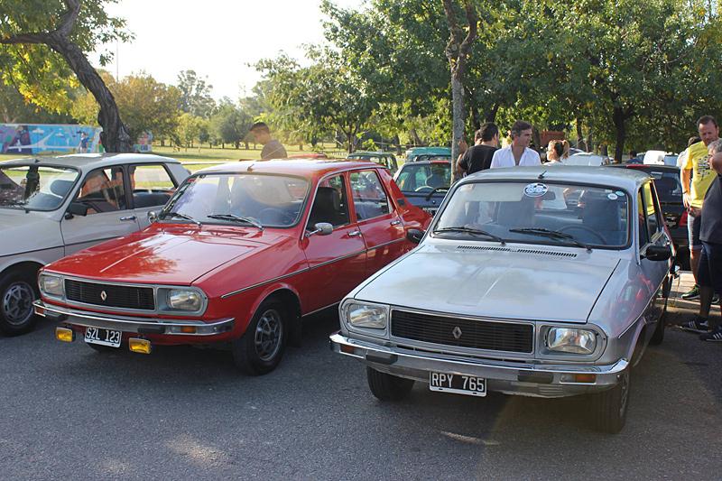 Modelos Renault 12 en el 2do Encuentro Anual de Renault Classic Buenos Aires
