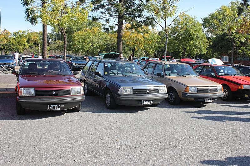 Modelos Renault 18 en el 2do Encuentro Anual de Renault Classic Buenos Aires