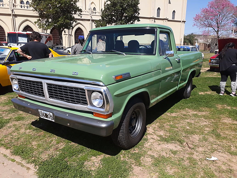 American Ford Santa Fe cumplió 20 años