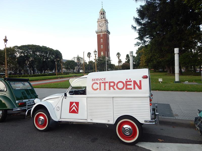 En la primera actividad de 2020, el Citroën Club Buenos Aires realizó una caravana por las calles porteñas.