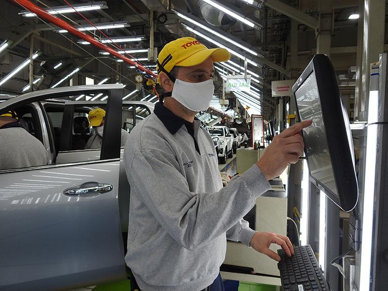 Toyota reanuda la producción en su planta de Zárate